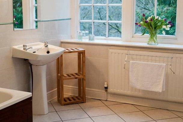 employee accommodation bathroom